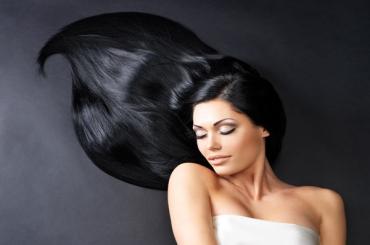 Dầu gội đen tóc bằng thảo dược loại nào tốt nhất hiện nay?