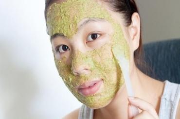 Công thức mặt nạ tinh bột nghệ trà xanh làm đẹp da, sạch nhờn
