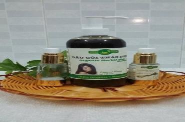 Dầu gội thảo dược kích thích mọc tóc Hồng Lam?