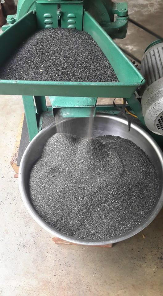 Dầu mè đen nguyên chất Hồng Lam 1L
